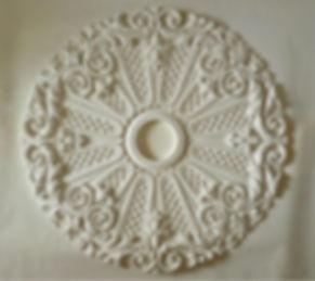 накладная потолочная розетка из гипса 95см в диаметре
