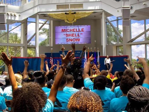 Michelle Snow Bio