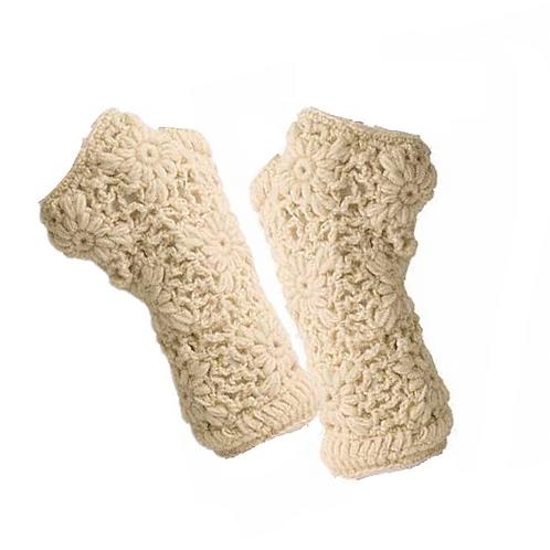 Fingerless Gloves in Cream