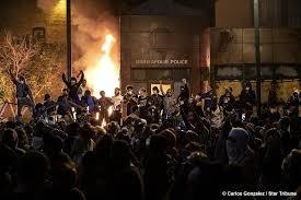 3rd Precinct on Fire