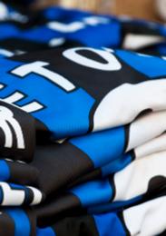 Uniformamos a Tu Equipo con Camisetas, Shorts, Calcetas y Estampado, a tu Medida y Presupuesto.