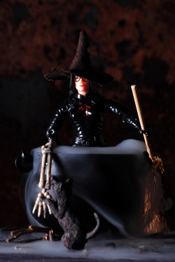 Halloween Guys - Witchy Woman