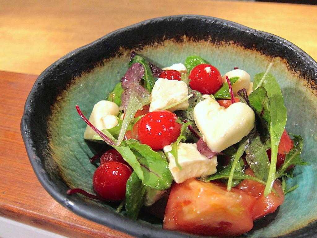 モッツァレラとクリームチーズのトマトサラダ 680