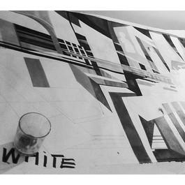 lg white