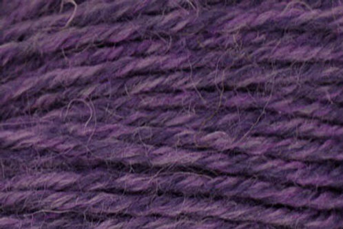 "Universal Yarn Deluxe Worsted ""Grape Rustic"""