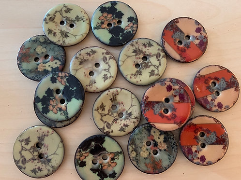 Round Enameled Coconut Buttons with Flowers