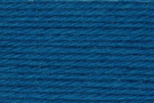 "Universal Yarn Deluxe Worsted ""Caribbean Sea"""