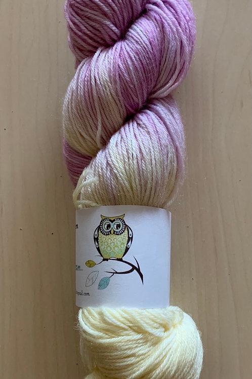 "Tiny Owl Yarn Alice ""Lilac Cream"""