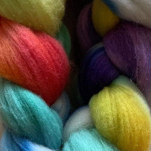 "Tiny Owl Yarn Rambouillet Top ""Rainbow"""