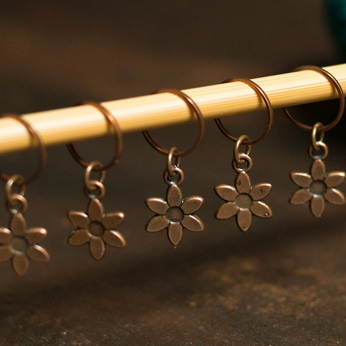 ADknits Flower Stitch Markers