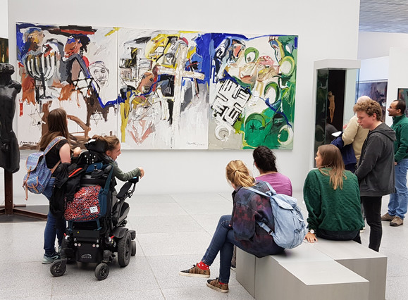 """Was wünschen sich Menschen im Kunstmuseum? Diskussion im Projekt """"Klartext Kunst"""" (Museum am Dom, SoSe 2019)  Foto: Dieter Kulke / FHWS"""