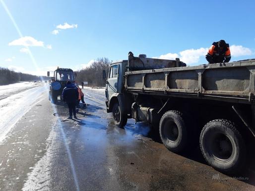 Ямочный ремонт дорог в Липецкой области идет в 15 районах