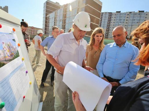 Игорь Артамонов оценил ход строительства социальных объектов в Липецке