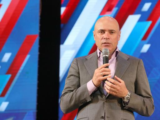 Игорь Артамонов вручил липчанам государственные награды