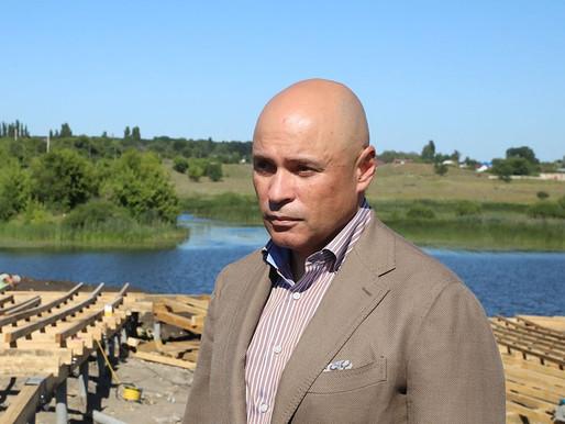 Игорь Артамонов проконтролировал продолжающееся в городе Грязи благоустройство набережной