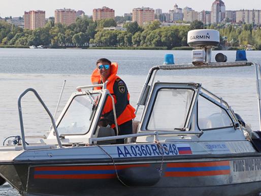 Спасатели напоминают об опасности купания в необорудованных местах