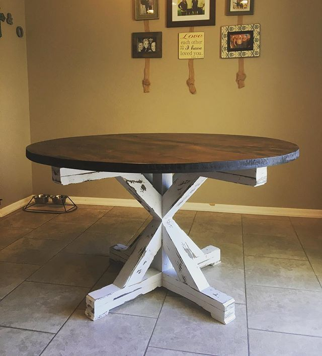 Gorgeous round pedestal table delivered tonight 😍 #farmhousestyle #farmhousetable #pedestel #suppor