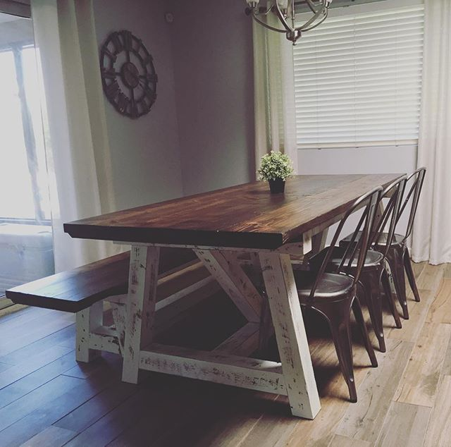 In LOVE 😍 #farmhousedecor #farmhousestyle #fixerupperstyle #farmhousetable #minwax #darkwalnut #dis
