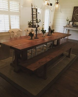 Love the way our customer styled her table! Gorgeous! 😍 #farmhousetable #farmhousedecor #farmhousel