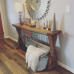 Beautiful X entry table 😍🎄 #consoletable #farmhousestyle #farmhousedecor #farmhousetable #smallbus