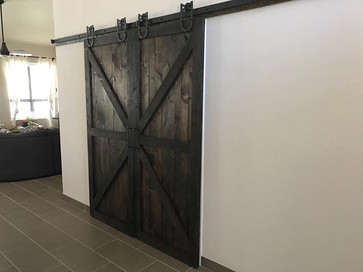 Absolutely GORGEOUS barn doors installed today that give just the right pop! #barndoors #barndoordesigns #barndoorlove #farmhousestyle #farm