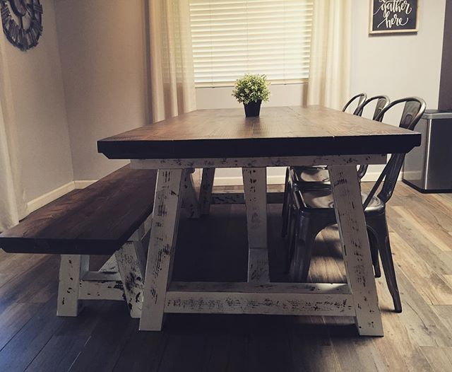 Ok last one! In LOVE 😍 #farmhousedecor #farmhousestyle #fixerupperstyle #farmhousetable #minwax #da