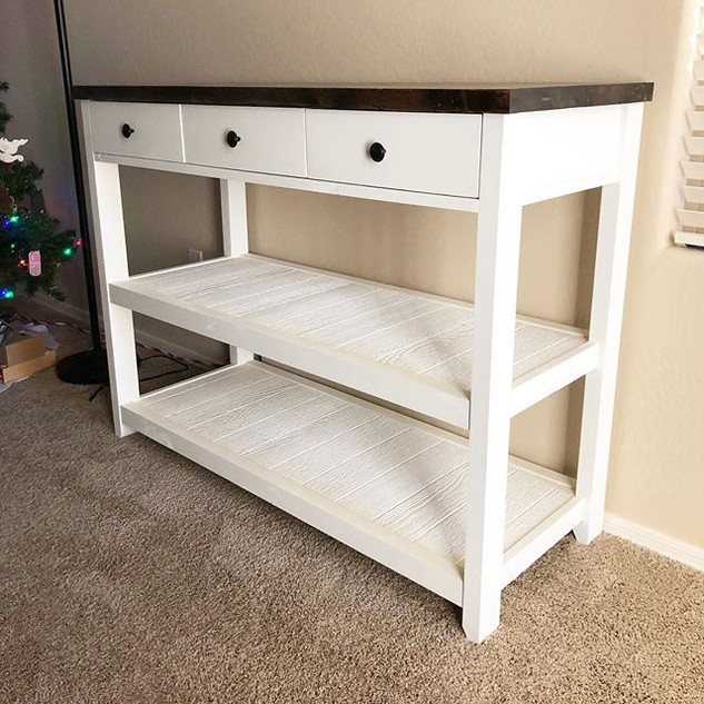 Sweet little console table 🤗_._._.jpg