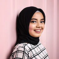 woman-wearing-hijab-headdress-322920.jpg