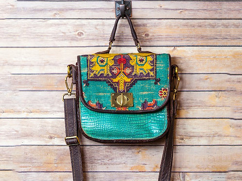 Woman's Medium Handbag