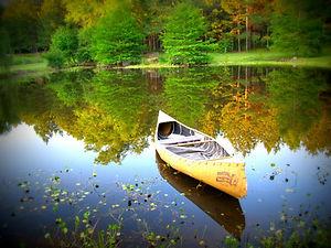 canoe-49179_1920.jpg