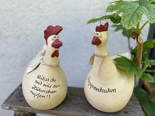 """Susanne Boerner - """"Suppenhuhn"""" sitzend"""