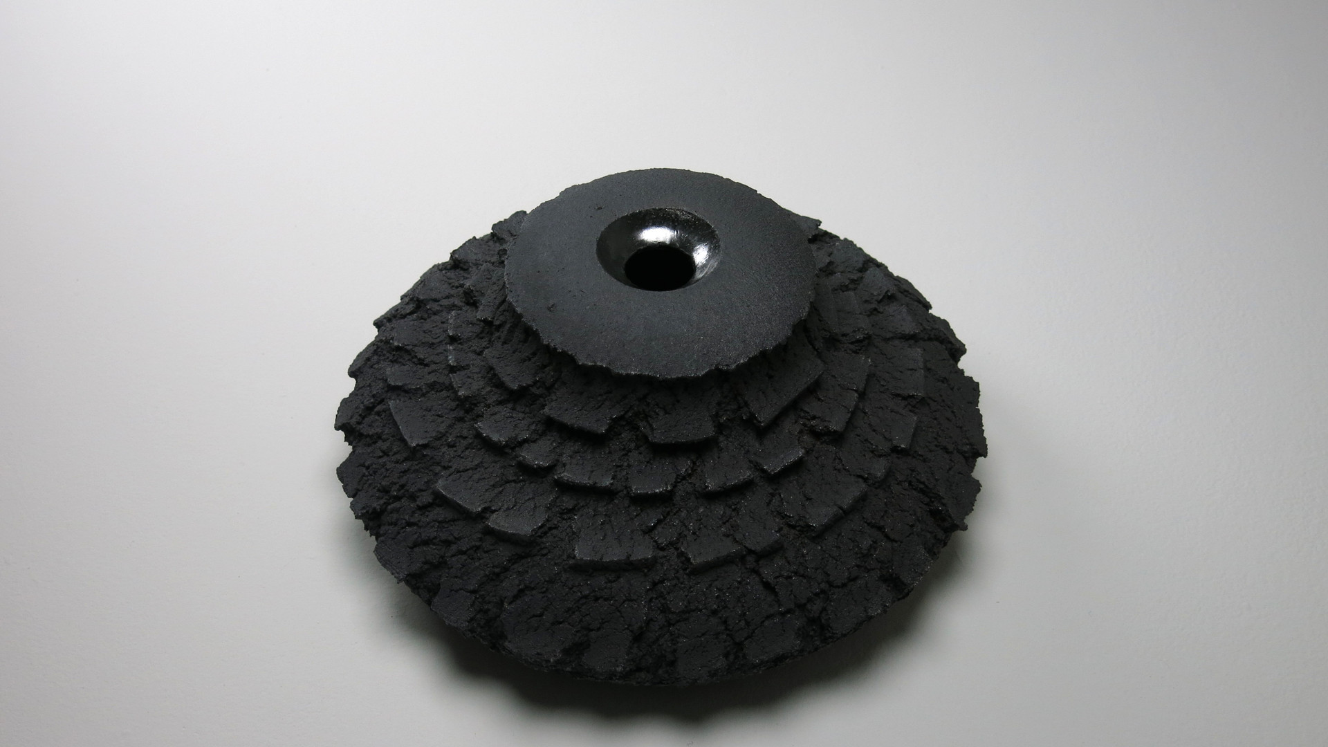 7._BLACK_VASE.JPG