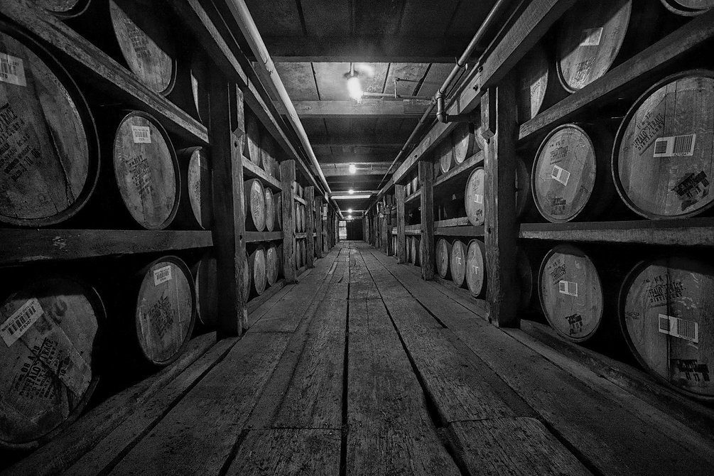 scotland_food___drink_-_whiskey_barrels_
