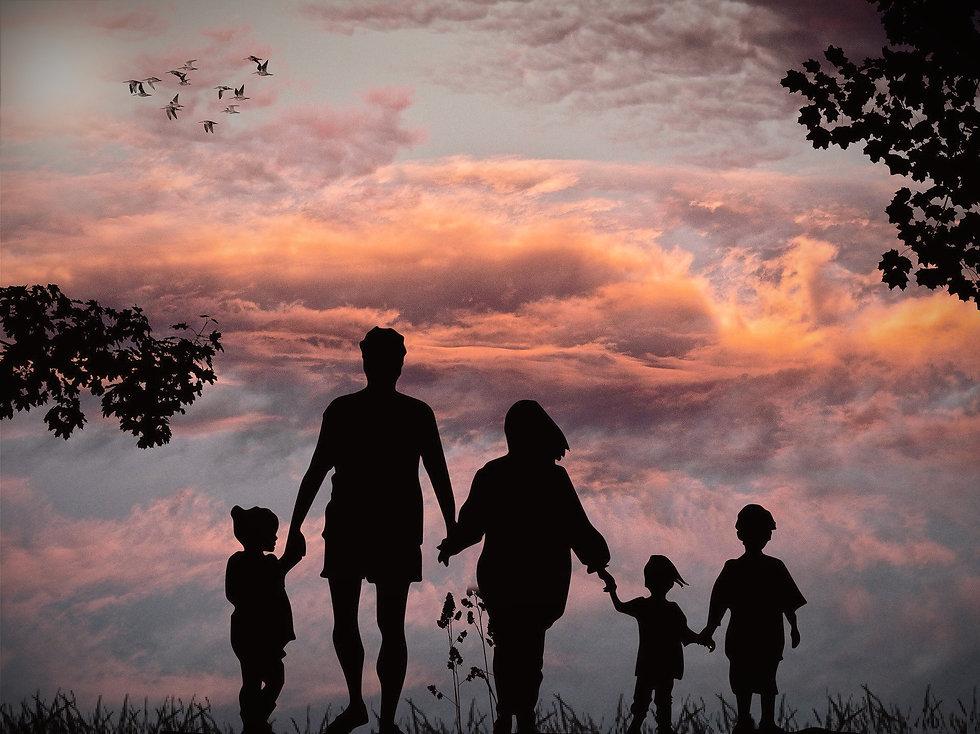 family-1517192_1920_edited.jpg