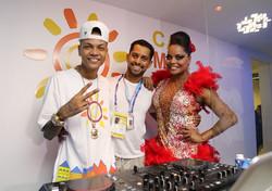MC Duduzinho & Adriana Bombom
