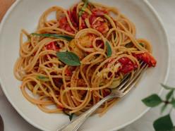 Roasted Cherry Tomatoes and Garlic Pasta