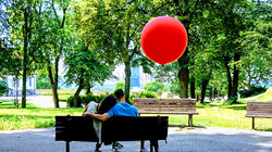 CLP - Red balloon - w960 - watermarked