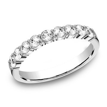 .72 ctw shared prong diamond band
