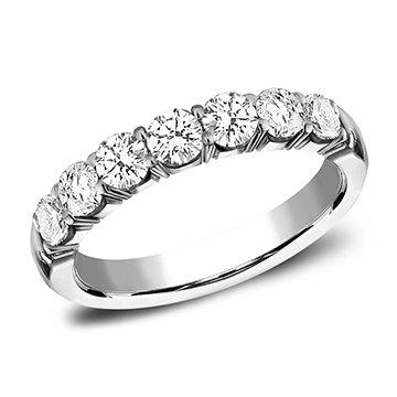 1.12 ctw shared prong diamond band