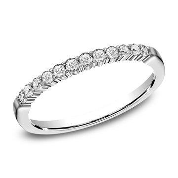 .24 ctw shared prong diamond band