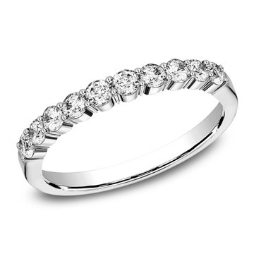 .60 ctw shared prong diamond band