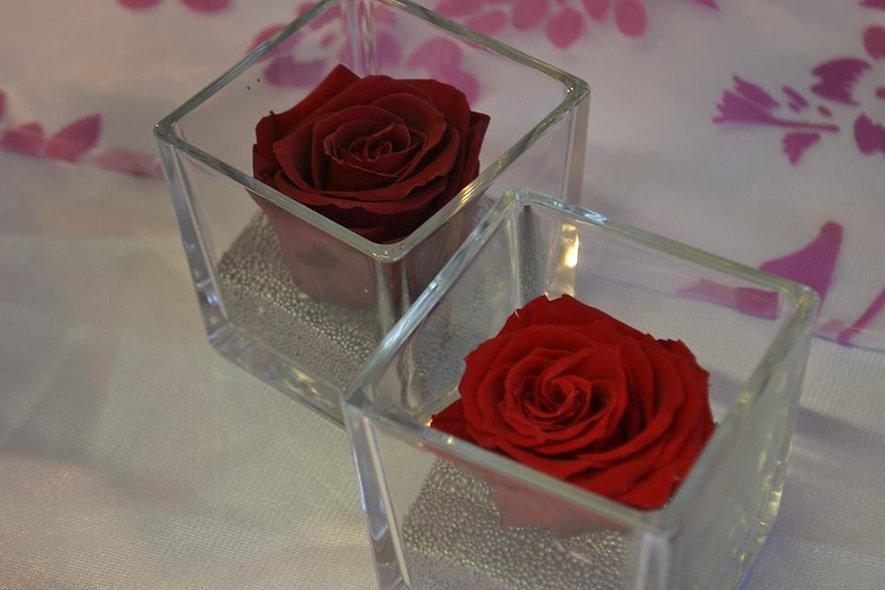 Décoration de table roses lyophilisées