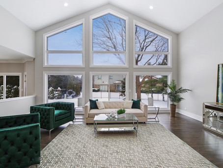1541 Windy Hill Dr, Northbrook,60062 went under contract 2 days after MRM Home Design's home staging
