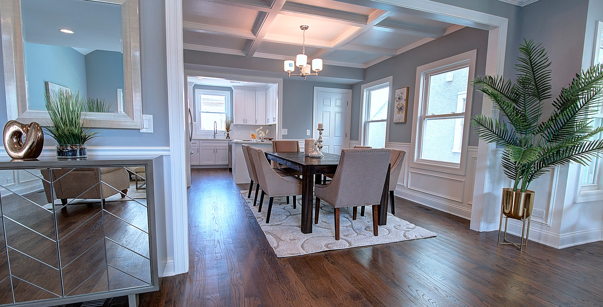 Dining Room in Wilmette designed by MRM Home Design.jpg