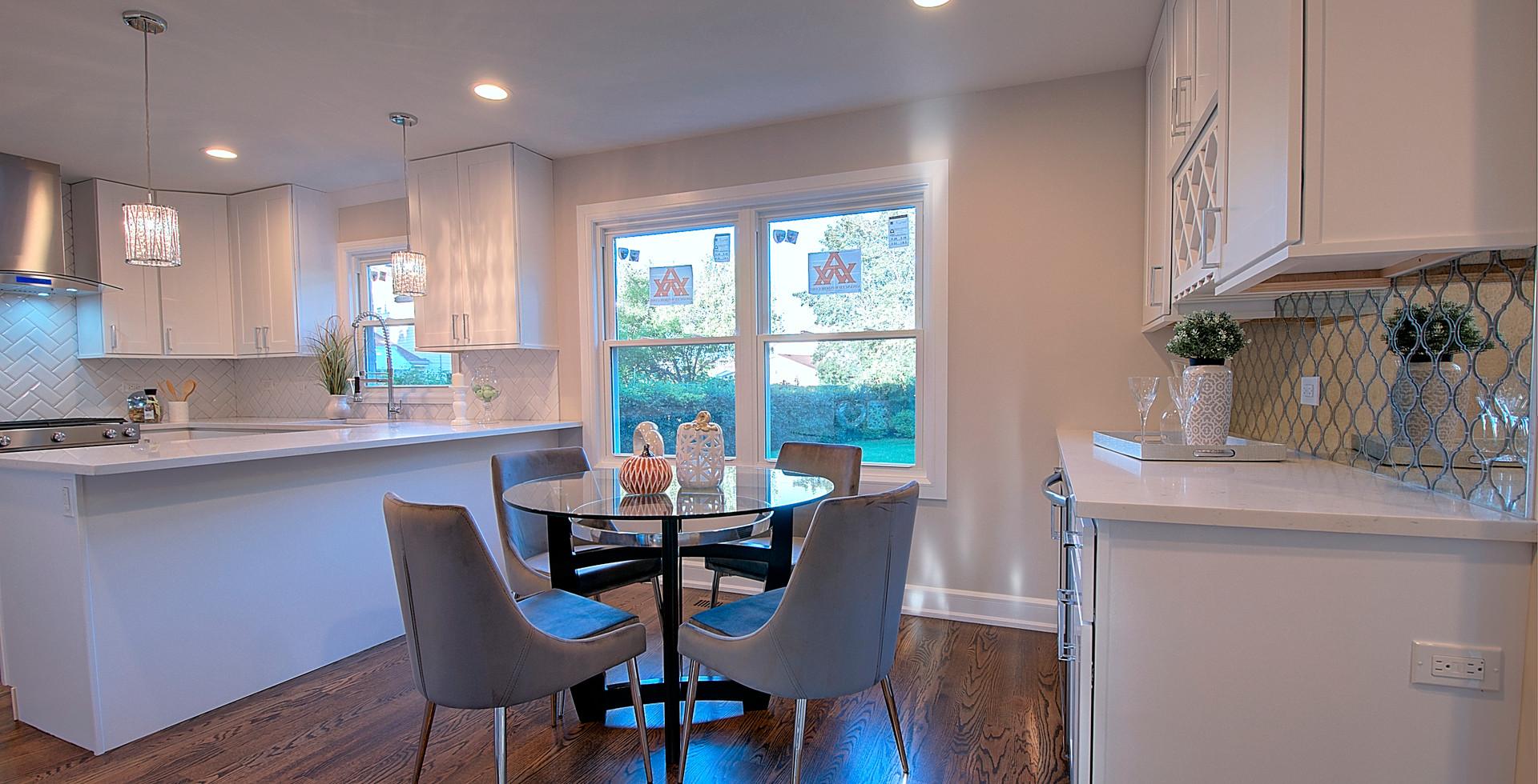 Dining Room in Northbrook designed by MRM Home Design.jpg