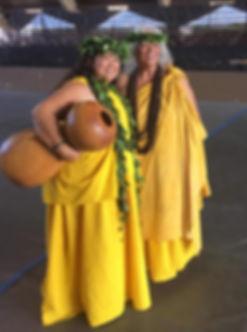 Kumu and Aunty Pua Kanahele_Jen Viets_7.