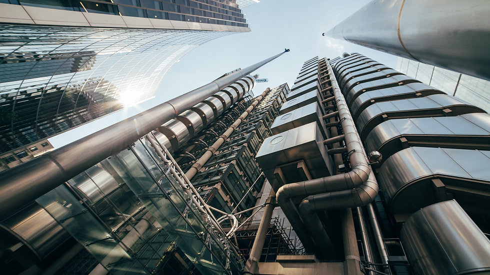 london-the-lloyds-building-4k-tower-pipe