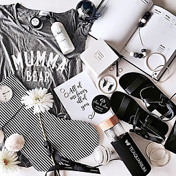 Flat lays by Nicole at The Mama Sorority