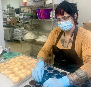 Filling Cupcakes