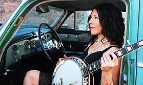 T.-Nile-banjo.jpg